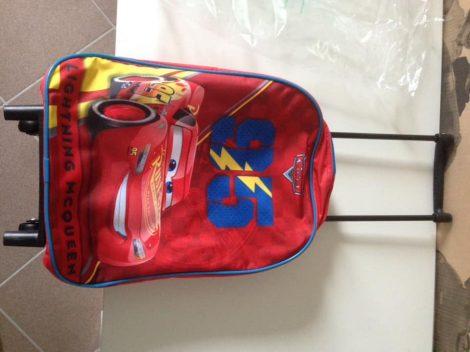 Verda húzhatós bőrönd